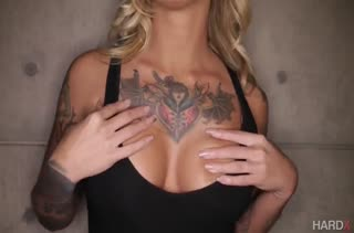 Блондинка Kleio Valentien сама набросилась на член #1