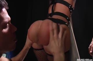 Jada Stevens поучаствовала в БДСМ с двумя самцами #1