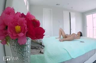 Любительский секс на столе с грудастой Jade Kush #1