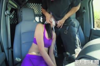 Бедняжку Miko Dai засунули в багажник и отодрали связанную #2