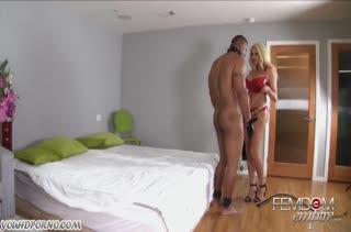 Summer Brielle оделась в латекс и трахнула в жопу мужа #1