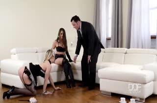 Жена с мужем раскрутили горничную на БДСМ порно #2
