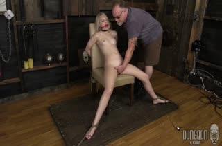 Lily Rader привязали к стулу и затрахали всем подряд #6