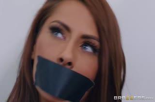 Грабитель связал роскошную Madison Ivy и устроил с ней порно #1
