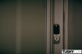Jessa Rhodes в сексуальном белье села жопой на кукан #1