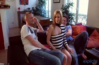 Доступную блондинку Jessie Volt развели на групповуху #1