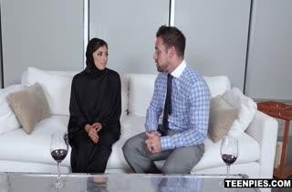 Похотливая мусульманка не постеснялась трахнуться с мужиком #3