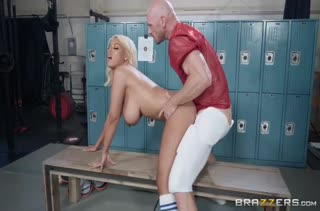 Тренер Bridgette B занялась сексом с футболистом
