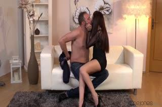 Rebecca Volpetti в сексуальном платье возбудила мужа #1