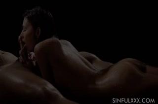 Rosaline Rosa получает суперский оргазм от романтики