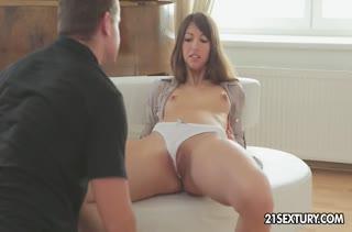 Молодая Suzen Sweet отдалась другу на нежный секс #2