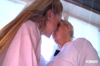 Блондинки лесбиянки устроили жесткую оргию с игрушками #1