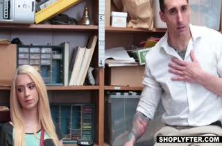 Блондиночка Joseline Kelly наказана жестким трахом в офисе #2