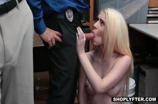 Блондиночка Joseline Kelly наказана жестким трахом в офисе #5