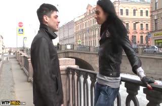 Обаятельный паренек развел русскую девушку на секс #1