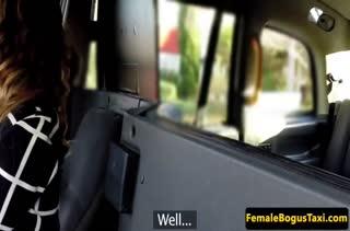 Пассажир устроил оргию с телкой на заднем сидении #2