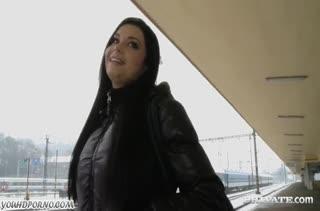 Брюнетка Victoria Blaze не стесняется камеры #1