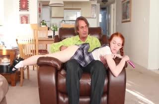 Взрослый трахарь научил рыженькую студентку трахаться #2