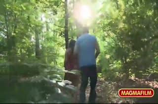 Сучка сама завела мужика в лес и стянула с него штаны #2