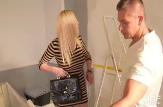 Блондинка с зачетным прицепом расплатились дыркой с мастером #2