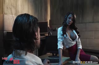 Знойная соска Madison Ivy умеет обращаться с членами