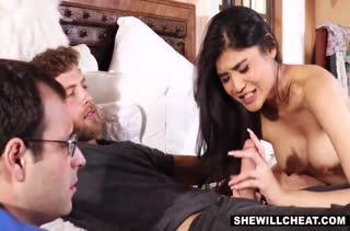 Муж наблюдает как его жена спаривается с другим