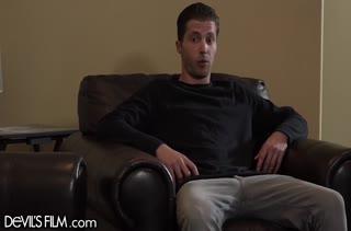 Обольстительная брюнетка добилась секса с парнем #2