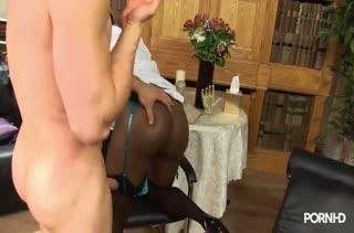 Пухленькая негритянка попробовала секс с белым #3