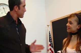 Шлюшка Tiffany Star оголяет сиси и писю перед преподавателем #1