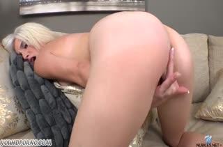 Молодая Piper Perri круто мастурбирует писечку #4