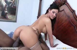 Черный любовник навестил секси мамочку Phoenix Marie #5