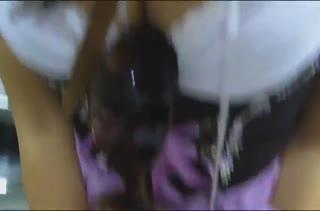 Робкая подружка классно кувыркается перед камерой #1