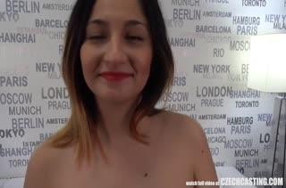 Бабенка пришла на порно кастинг и показала свои умения #4