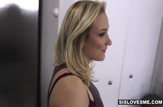 Жопастая блонди снимает с мужем домашнее видео #5