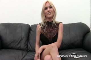 Блонди с большими сиськами проходит порно кастинг #1