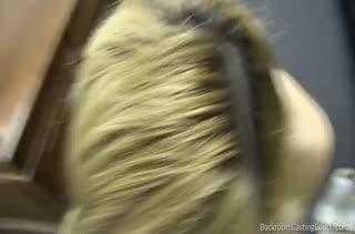 Блондиночка охотно раздевается перед мужиком на собеседовании #4