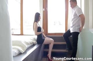 Хорошенькая Lilly Klass красиво ерзает на пенисе чувака #2