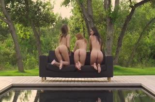 Жопастые красотки лесбиянки знают толк в нежных ласках