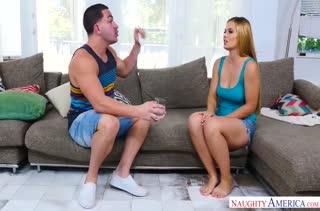 Грудастая Sloan Harper соблазнилась на мускулистого соседа #2