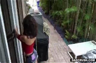 Соседка зашла в гости а там ее ждал крепкий стояк #1