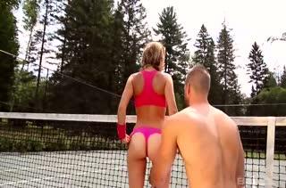 Худенькая теннисистка спаривается прямо на корте #2