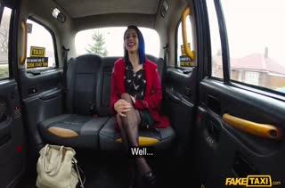 Анальная шлюшка расплатилась попой с таксистом #1