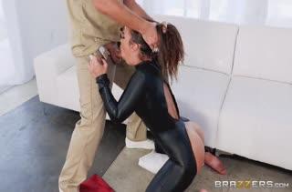 Kelsi Monroe в сексуальном наряде попробовала анальный секс #2