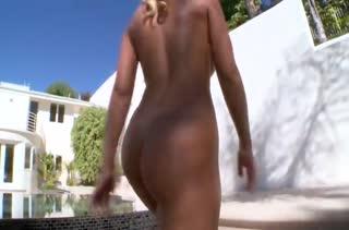 Гламурная Nicole Aniston любит когда ее берут жестко
