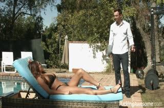 Сочную мамку в бикини чувак жестко пялит после загара #2