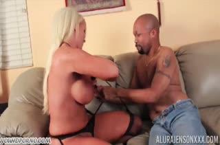 Сексуальная Alura Jenson оседлала черный кукан #2