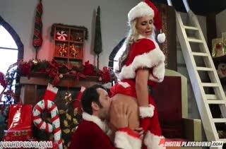 Красавица Phoenix Marie испытала жесткий новогодний секс #2