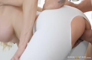 Спортсменка Brandi Love согласна на секс с тренером #4